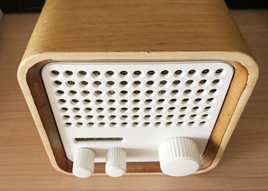China Wooden Bluetooth Mini FM Radio Speaker High Fidelity For Sports / Fitness supplier